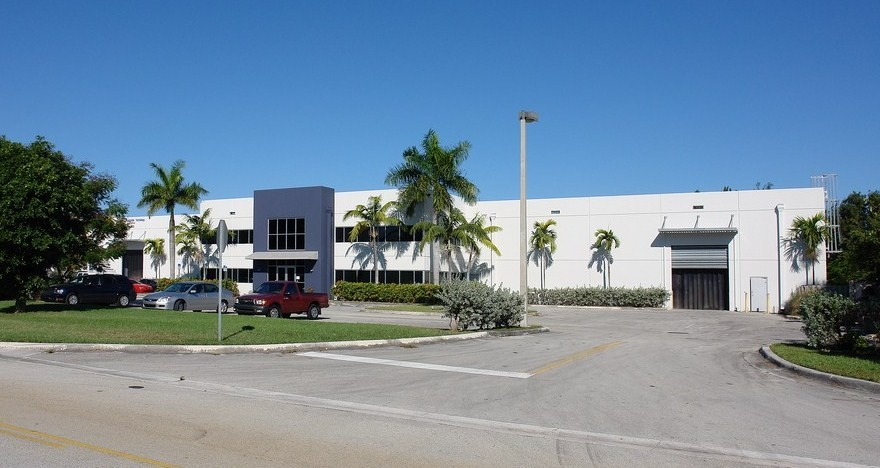 doral warehouse for rent